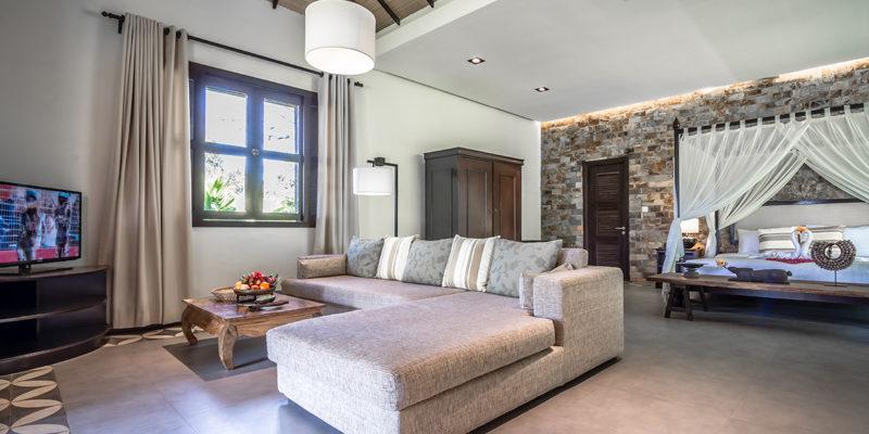 Junior Suite Villa big living area in Kep