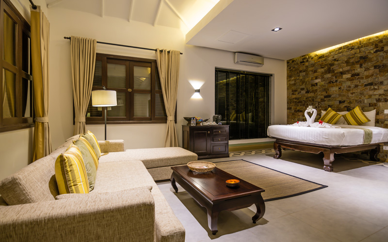 Family Villa with King size bed in Kep